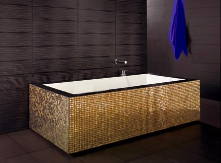 Bagno Moderno Con Vasca Da Bagno : Bagno con mosaico. beautiful mosaico acquamarina turchese vetro con